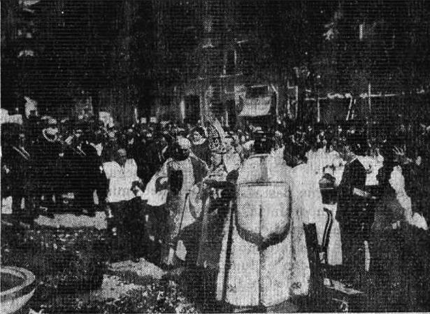 Bendición del monumento a Pardo Sastrón, en el Óvalo (Biblioteca Virtual de Prensa Histórica).