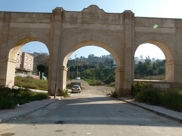 El acueducto de San Telmo, en Málaga, fue impulsado en 1782 por el obispo José Molina, natural de Camañas, dado el acuciante problema de agua potable que padecía la ciudad (monumentosdemalaga.wordpress.com)