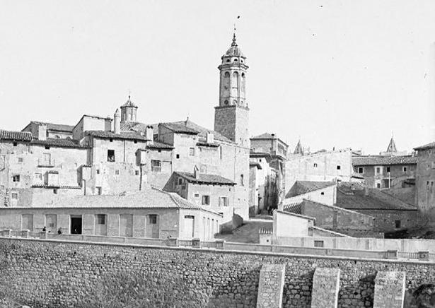 """La calle de San Miguel, en su tramo inferior, no se abrió hasta 1901, por el denominado """"corral de Roquillo""""."""
