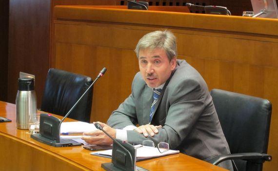 El director general de Universidades del Gobierno de Aragón, José Antonio Beltrán,