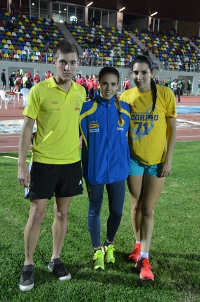En la image, de izquierda a derecha, Jesús Ferrer, Erika Torner y Elena Martín