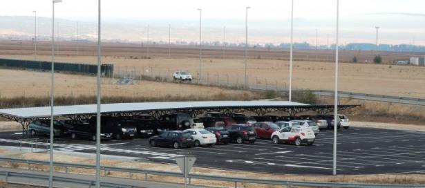 imagenes_aparcamiento_del_aeropuerto_de_TERUEL_27d18089