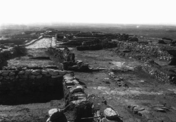 """El yacimiento """"cabezo de Alcalá"""", en Azaila, fue declarado de utilidad pública hace 89 años (Juan Mora Insa / Documentos y Archivos de Aragón)."""