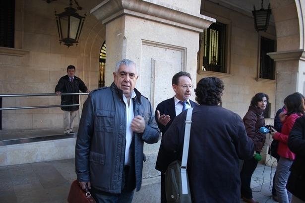 En la imagen, a la izquierda, Antonio Arrufat