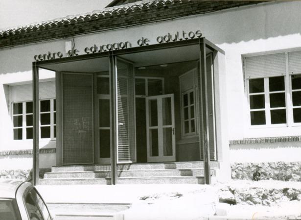 El Centro de Educación de Adultos de Teruel cumple 34 años (Fidel Cantín).