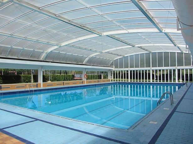 Varios provincia utrillas cede la piscina climatizada a for Piscina climatizada teruel