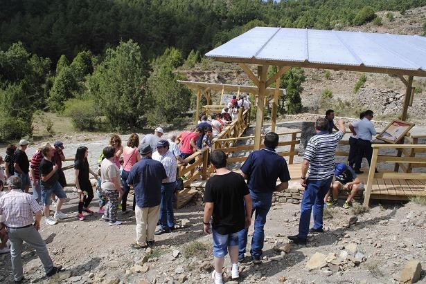 Parte del público asistente durante la inauguración del yacimiento.