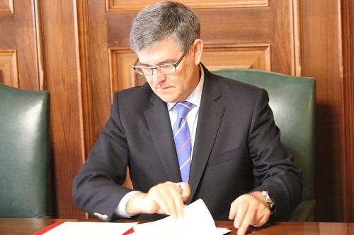 El Consejero de Presidencia ,Vicente Guillén