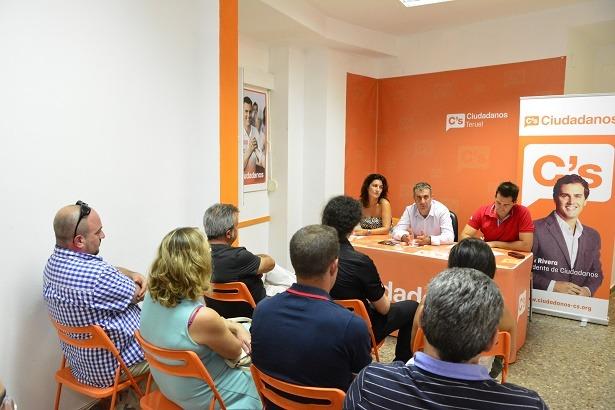 De izquierda a derecha , Nomata Prats, Ramiro Dominguez y Ramón Fuertes en la reunión de ayer