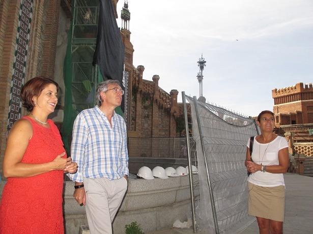 En la imagen ,la alcaldesa de Teruel, Emma Buj, el director gerente de la Fundación Santa María de Albarracín, Antonio Jiménez, y la teniente de alcalde Rocío Féliz de Vargas