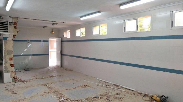 Comienzan los trabajos de modernizacion de la piscina for Piscina climatizada teruel