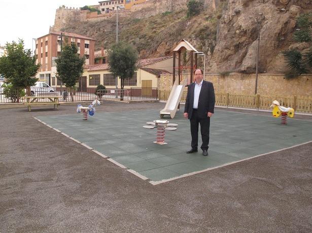 En la imagen, el Concejal Julio Esteban en el nuevo parque abierto al publico hoy