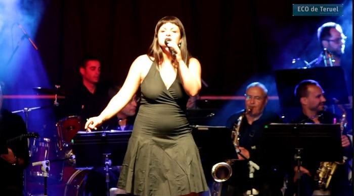 Una imagen de la actuación de la Big Band Teruel y Ade Laredo el pasado mes de Julio en la Plaza del Torico de la capital