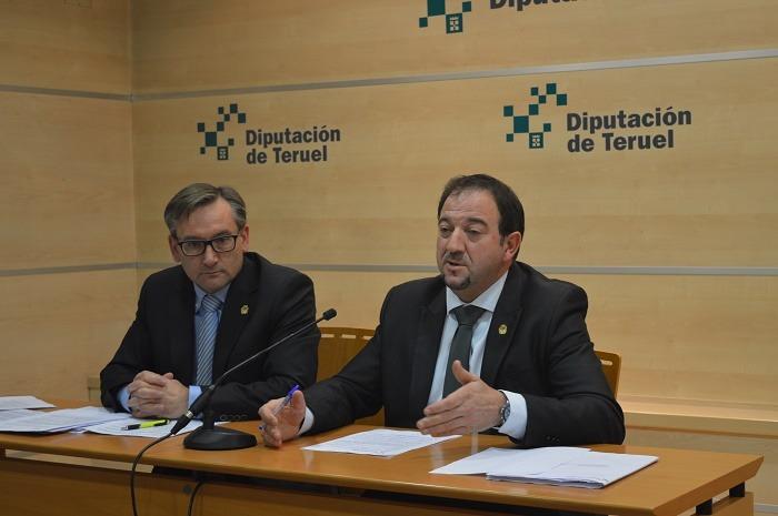 En la imagen el Vicepresidente de la DPT, Joaquin Juste(PP) , a la izquierda y el presidente Ramón Millán (PAR)
