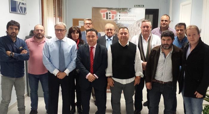 Parte de los miembros del nuevo comité directivo con Juan Ciércoles en el centro como presidente para 4 años más