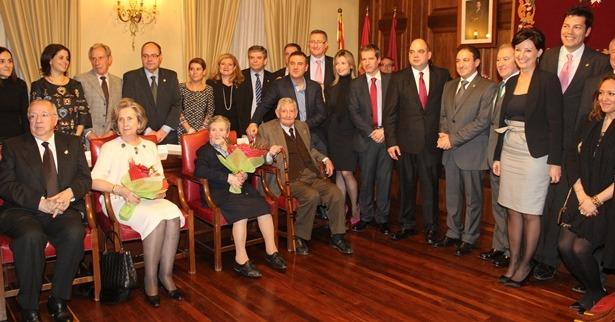 Una imagen del acto de entrega de la medalla de oro de los amantes al Pastor de Andorra y su mujer , el 14 de Febrero de 2015