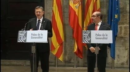 Imagen de la rueda de prensa que acaban de dar el Presidente de Valencia Ximo Puig ( a la izquierda) y el presidente aragones Javier Lambán