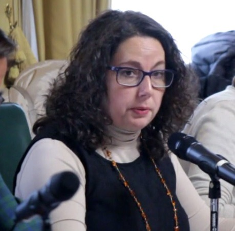 En la imagen, la concejal de Ganar Teruel , Anabel Gimeno, durante el debate de su propuesta