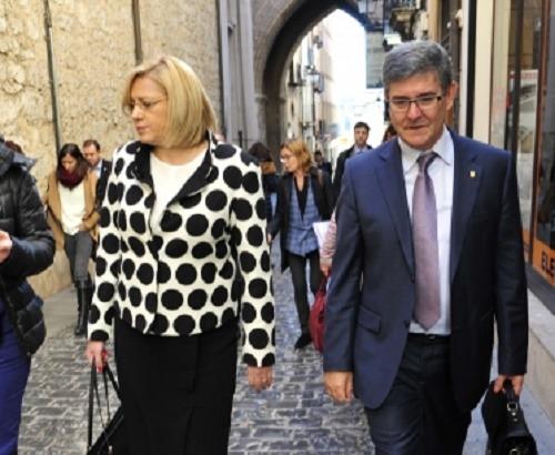 La Comisaria Europea Corina Cretu y el Consejero  Vicente Guillén , en la vista del pasado jueves
