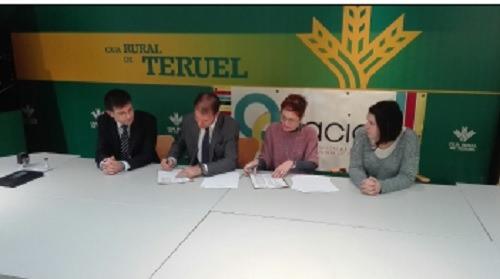 Convenio entra caja rural y la asociaci n de comercio e for Caja rural de teruel oficinas